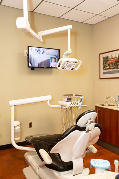 Dental chair at Stephen L Ruchlin DDS.