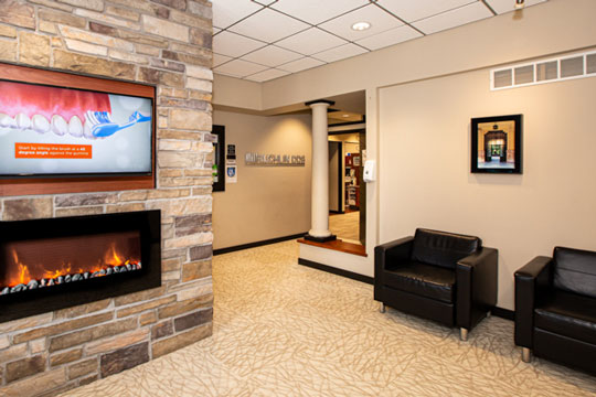 Lobby at Stephen L Ruchlin DDS Office.